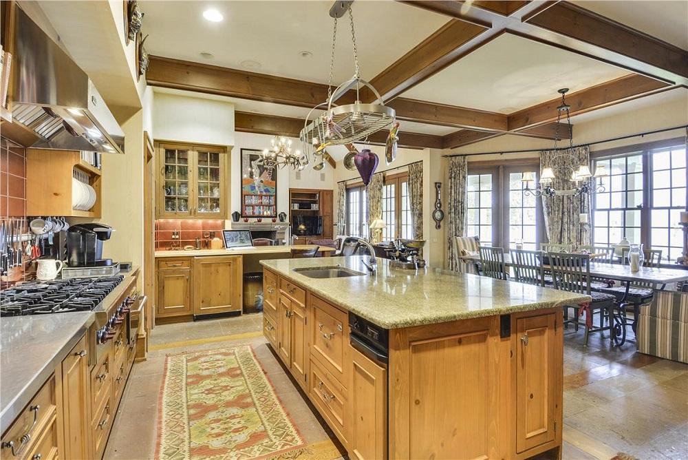Main Level-Kitchen-_DSC1282