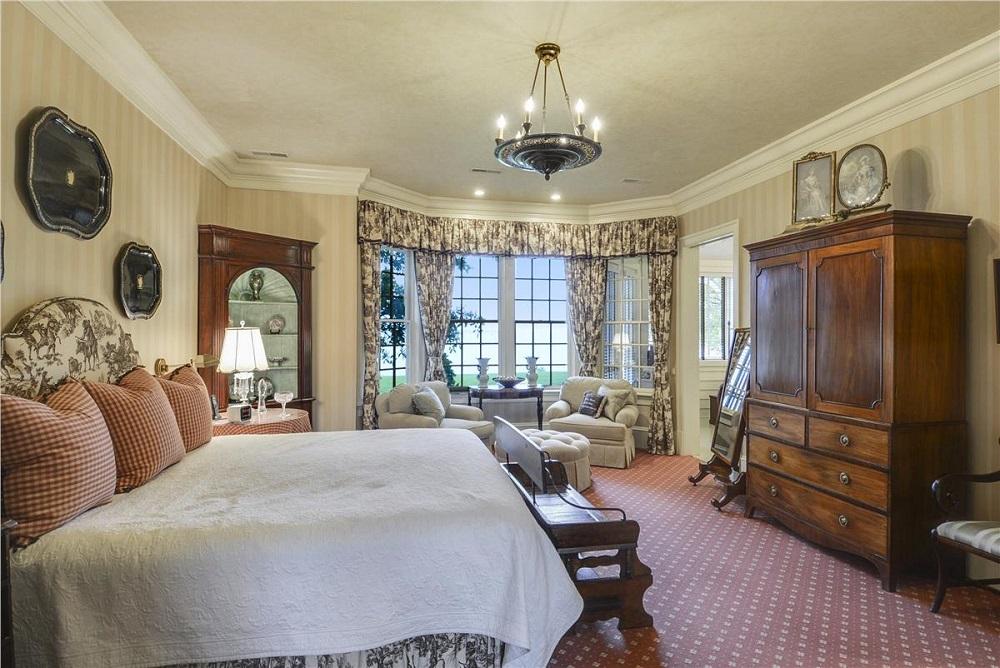 Main Level-Master Bedroom-_DSC1147